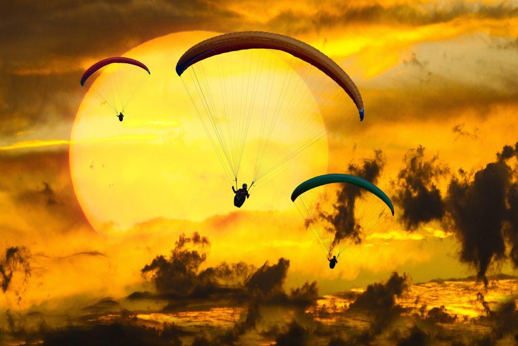 Czy skoki spadochronowe są na pewno bezpiecznie?