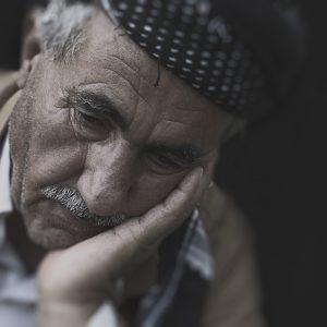 chora osoba Jak zadbać o chorego? W jaki sposób żywić osobę w podeszłym wieku? 25 - Twój Głos 📢 e-TG.pl