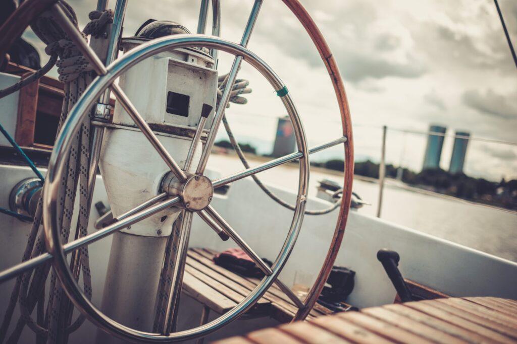 Żeglarstwo - rodzaje jachtów, czym jest jachting. Jak wyglądają wakacje pod żaglami? 3 - Twój Głos 📌 e-TG.pl